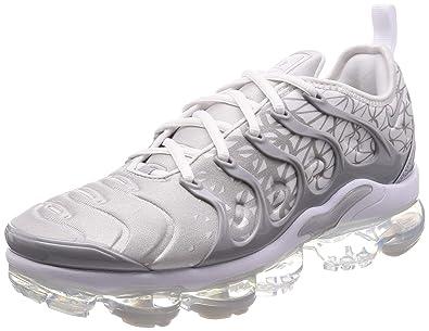 pretty nice 65a92 e6640 Amazon.com | Nike Air Vapormax Plus Mens 924453-106 | Shoes