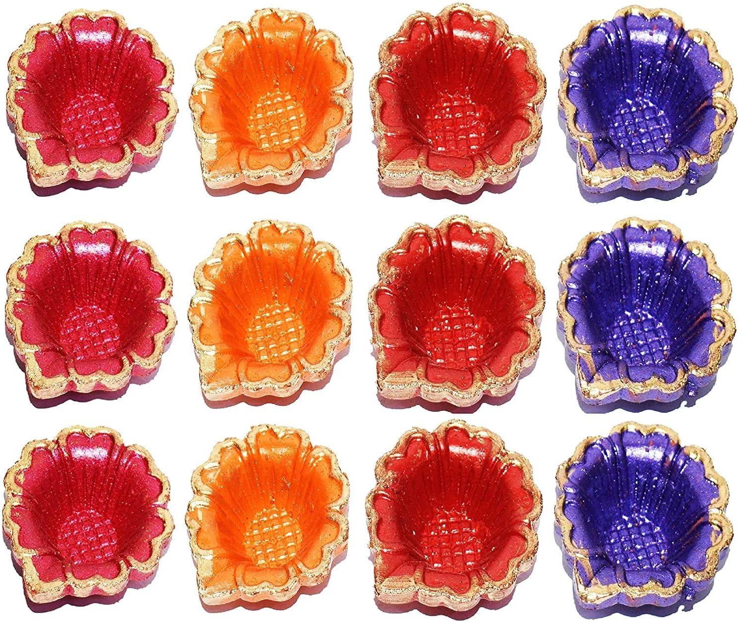 Diwali Diya tradizionale in terracotta Svastica