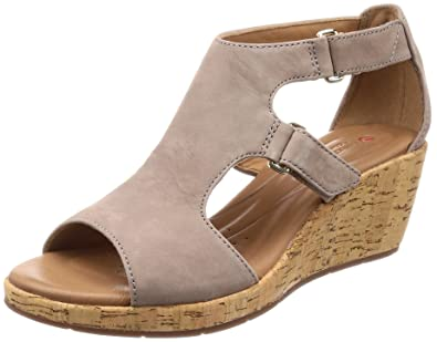 3b5ae7769737 Clarks Women s Un Plaza Strap Grey Nubuck Leather Fashion Sandals-3.5  UK India (