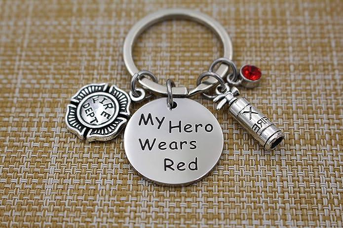 Amazon.com: Llavero rojo de My Hero Wears para hombre ...