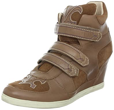 1e06802a8ab7 Koolaburra Women s Preston Fashion Sneaker