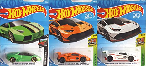 Amazon Com Hot Wheels Lamborghini Reventon Roadster Green 18 250