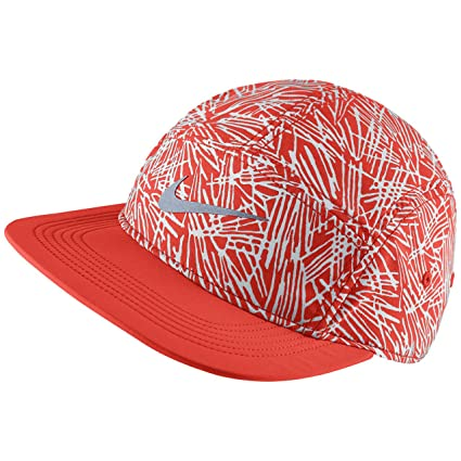 79022c60 Amazon.com: Nike Women's Run Pocket AW84 Cap (red): Sports & Outdoors