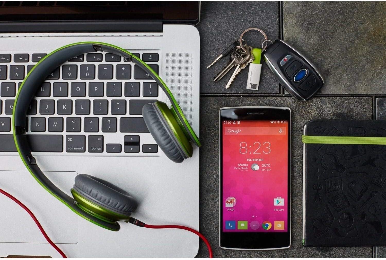 Negro Urbo Cable Cargador Llavero v2 con USB-A a Conector Lightning para Dispositivos Apple