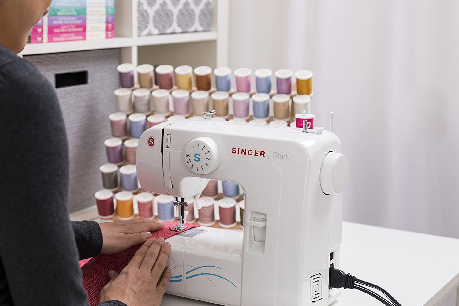 Amazon.com: SINGER | Start 1304 6 Built-in Stitches, Free Arm Best Sewing  Machine for Beginners