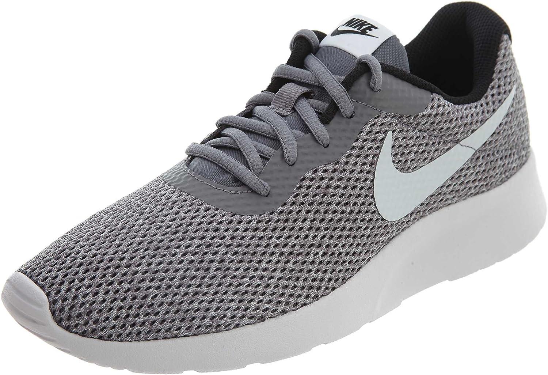 Nike Men's Tanjun SE Sneaker, Gunsmoke