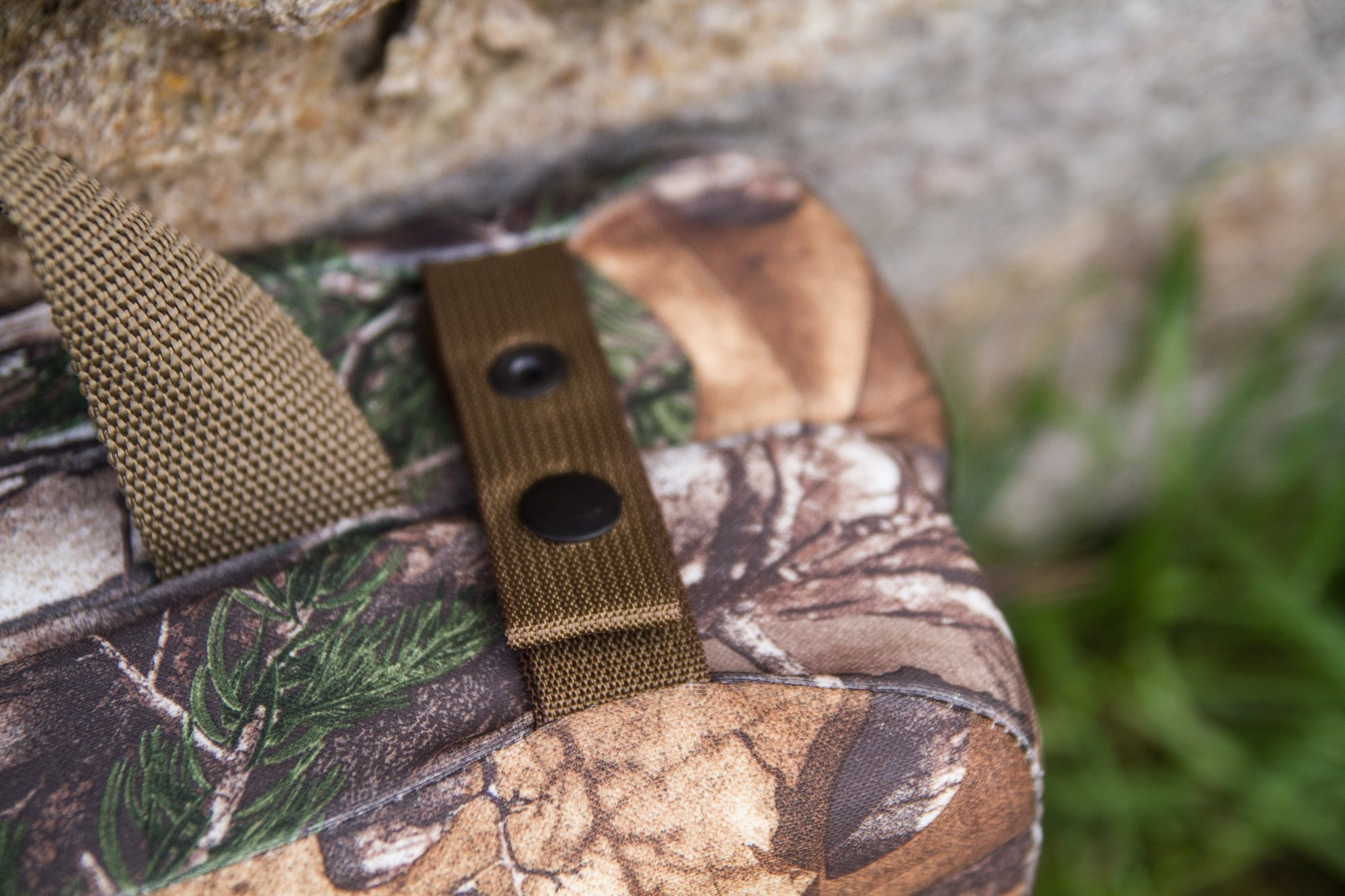 Hunt Comfort Specialist Super Light GelCore Folding Seat, Realtree Xtra by Hunt Comfort (Image #5)