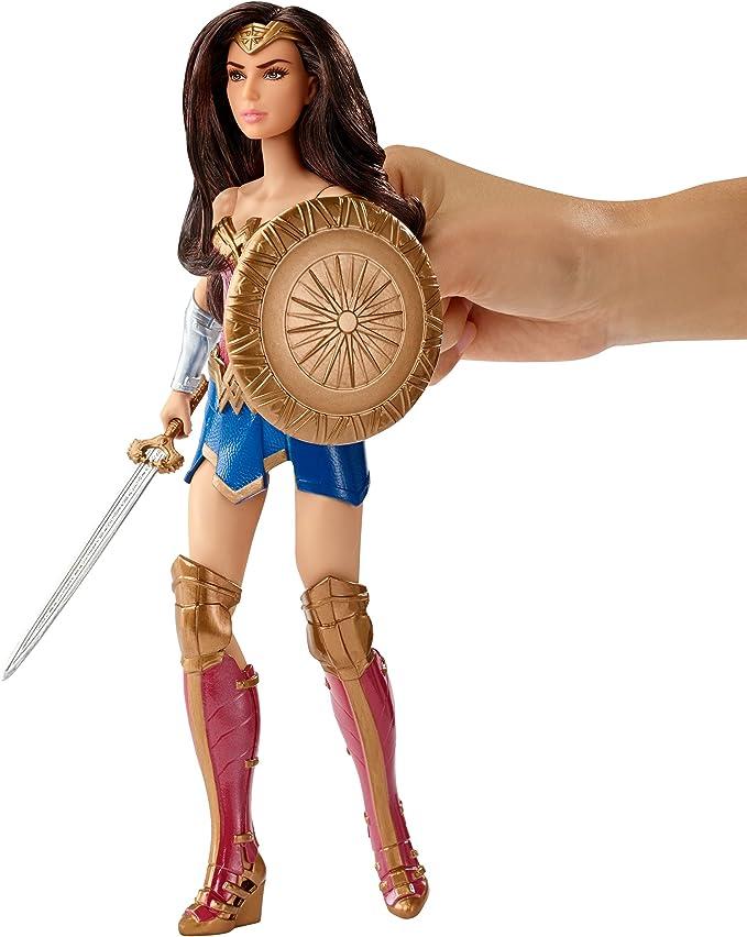 DC Comics FDF39 Wonder Woman Shield Deluxe muñeca: Amazon.es ...