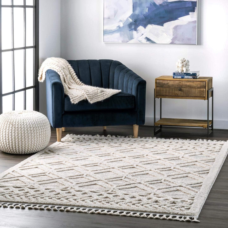 nuLOOM Ansley Soft Lattice Textured Tassel Area Rug 5' 3″ x 7' 7″ Beige