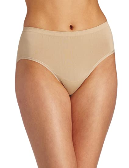 7f5bb6f677ac Vanity Fair Women's Seamless Hipster Panty 18210 - Damask Neutral - 5 at Amazon  Women's Clothing store: