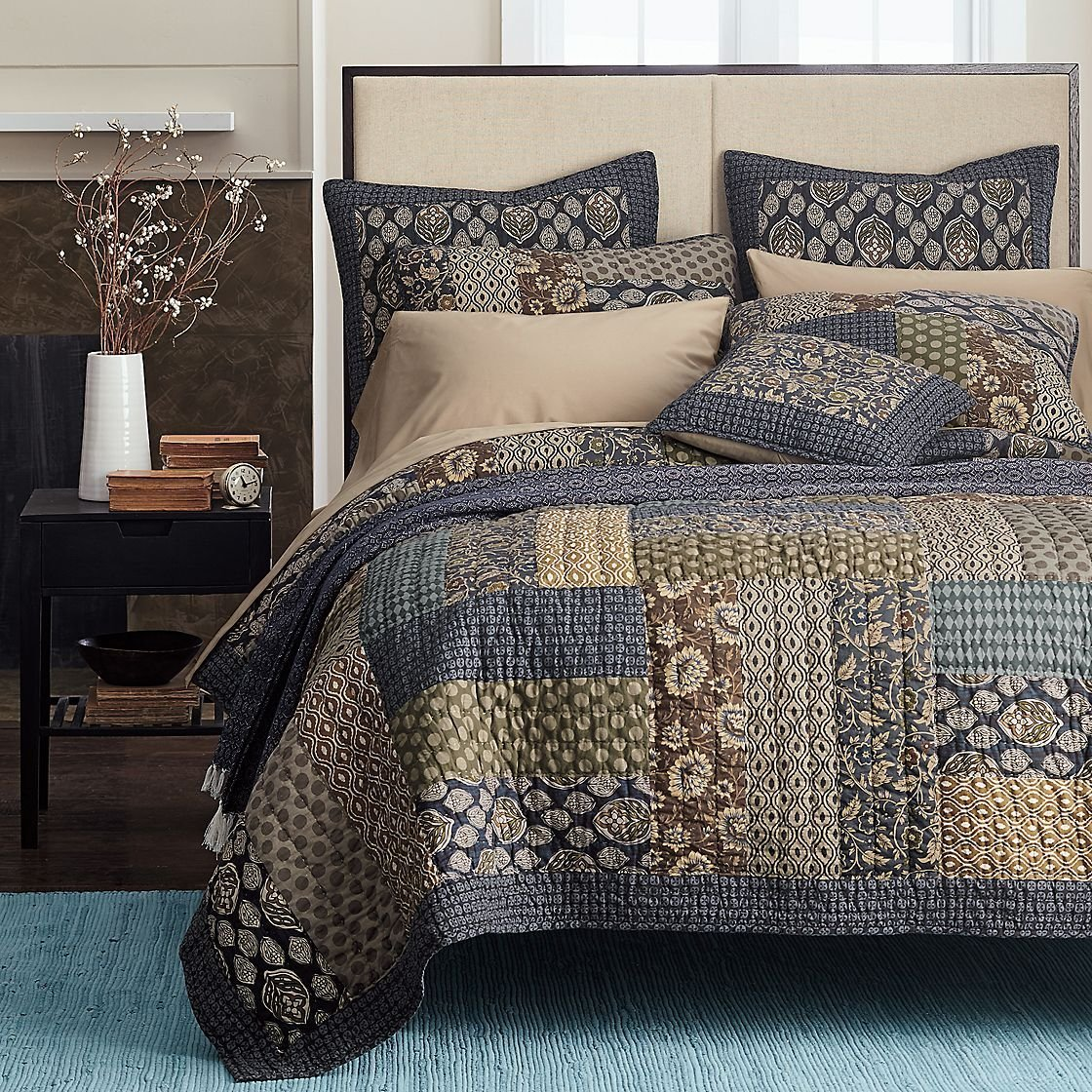 Tache Home Fashion Cotton Royal Chambers Patchwork Floral Quilt Set, California King, Navy Blue
