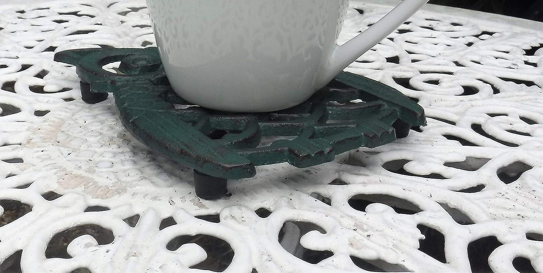 Sottopentola in ghisa a forma di gufo per bancone da cucina o tavolo da pranzo con piedini in gomma protettiva.