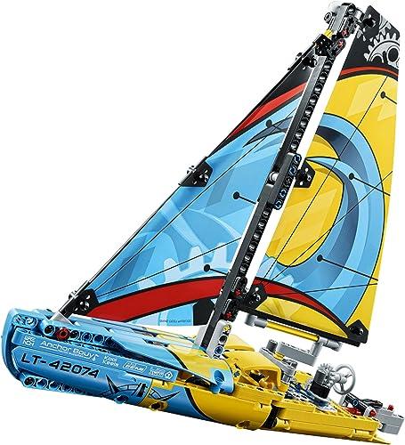 42074: Racing Yacht