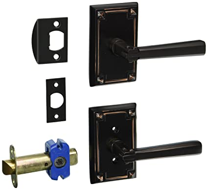 Attirant Craftsman Style Lever Door Set With Rectangular Rosettes Right Hand Passage  In Oil Rubbed Bronze.