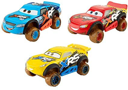 Amazon Com Disney Pixar Cars Xrs Mud Racing 3 Pack Toys Games