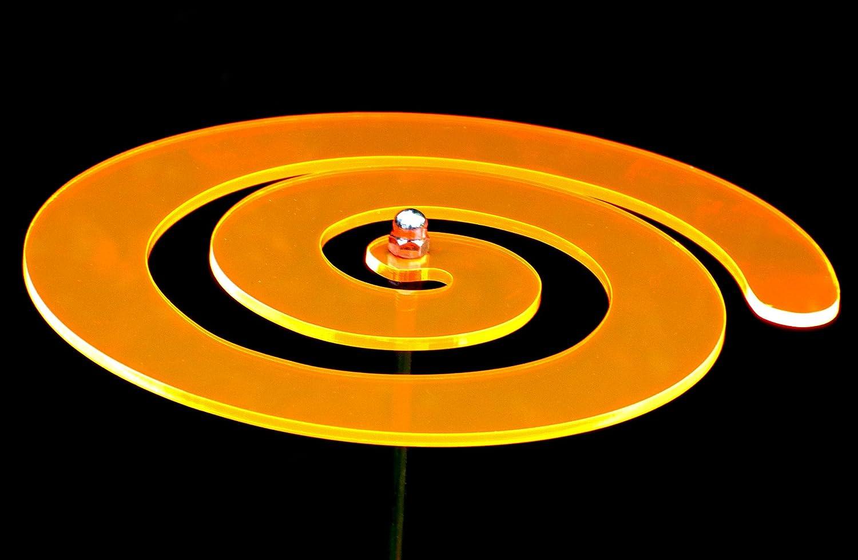 LISA DEKO Gartenstecker Wirbel orange - 17 cm mit 75 cm Metallstab - Sonnenfänger/Suncatcher