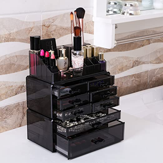 ORGANIZE YOUR VANITY WITH A MAKEUP OR JEWELRY STORAGE BOX
