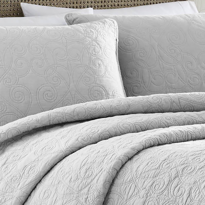 amazon com laura ashley 213548 felicity gray quilt set grey twin