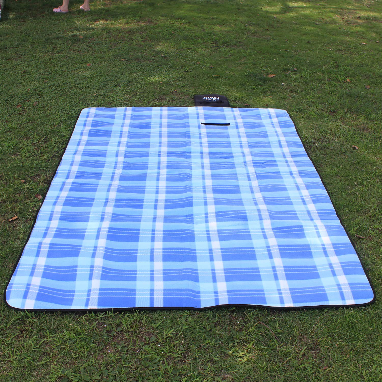 200 x 150cm Extra Large Portable Picnic Mat Luxury Soft Beach Mat for Family Camping Outdoor Hewolf Large Picnic Blanket with Waterproof Backing Thickening Fleece Surface for Winter