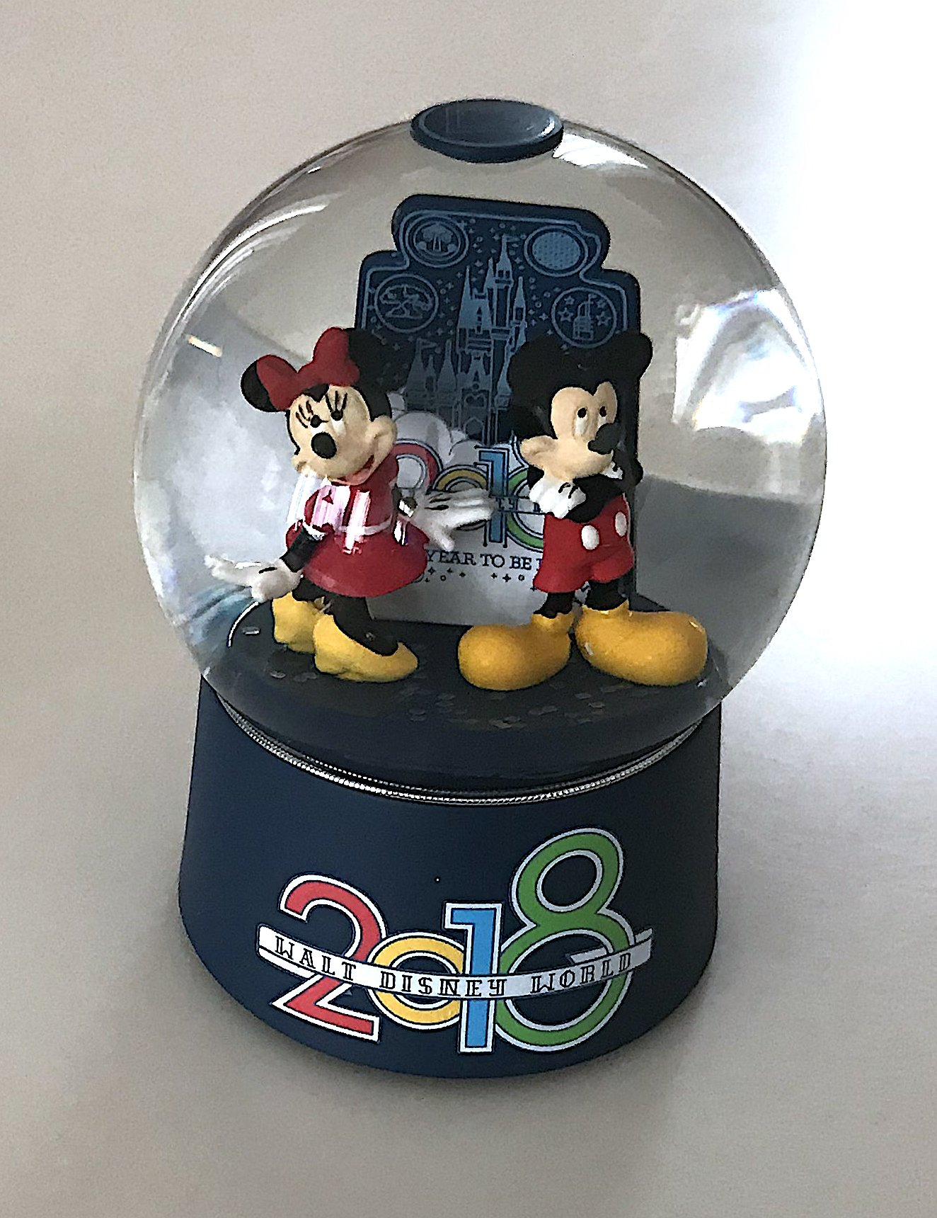Walt Disney World 2018 Year to Be Here Mickey Minnie Mouse Glass Snowglobe NEW
