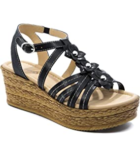 6df88318c5 Amazon.com | Bare Traps Dangle Platform Wedge Sandals | Loafers ...