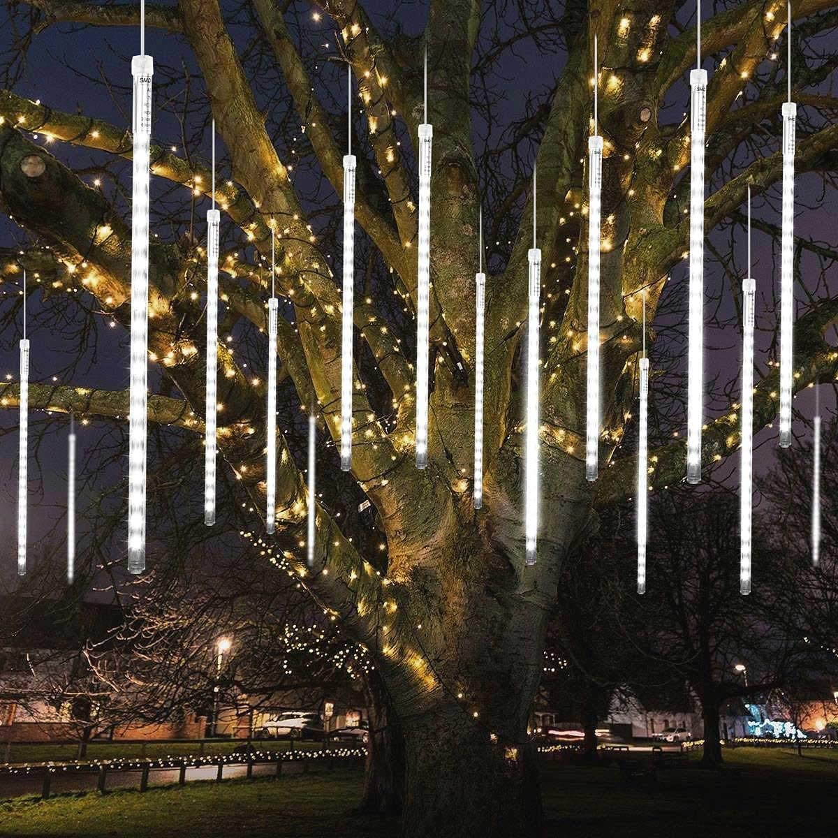 MAOYUE Meteor Shower Lights, 16 Tubes 640 LED Icicle Lights Outdoor Christmas Decorations Lights Waterproof Cascading Lights for Holiday Decorations, Tree, Eaves, Roof, Yard, Garden, Party, Cold White