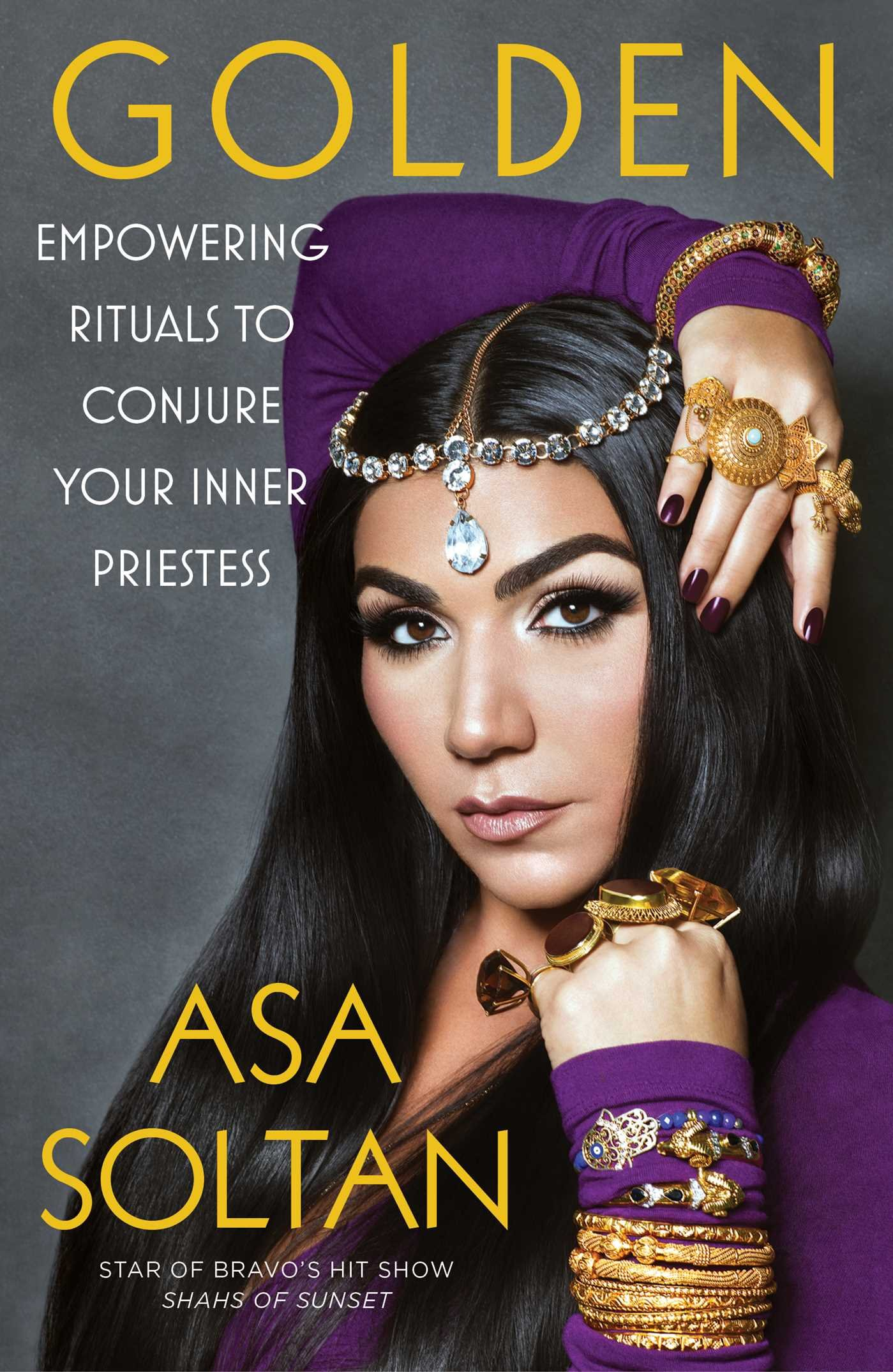 Download Golden: Empowering Rituals to Conjure Your Inner Priestess ebook