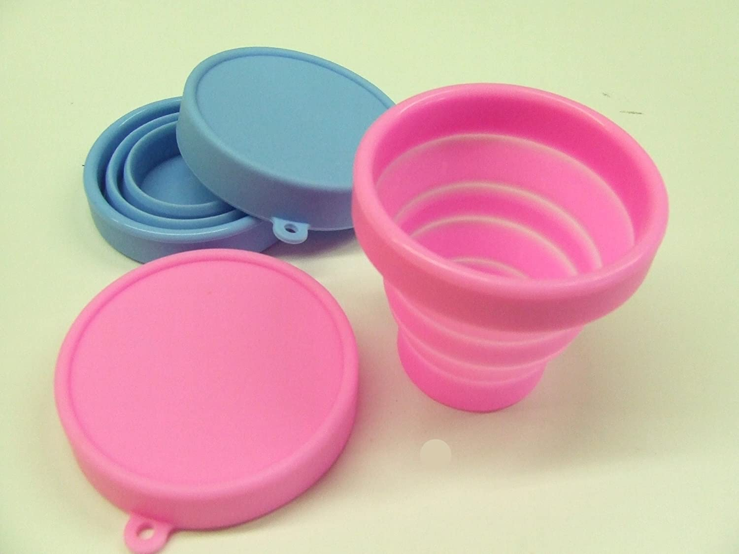 2 x Collapsible beakers Silicone CUPS /& LIDS compact space saving camping handy flask 2x Pink