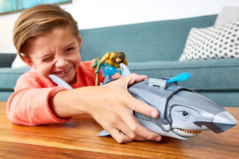 DC Comics Aquaman Figurine 15 cm et Requin géant de 45 cm jouet pour enfant dès 3 ans Mattel FWX37