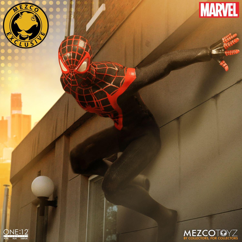 Uno: 12 coleccionables 76294 Spiderman Sdcc Figura Exclusiva