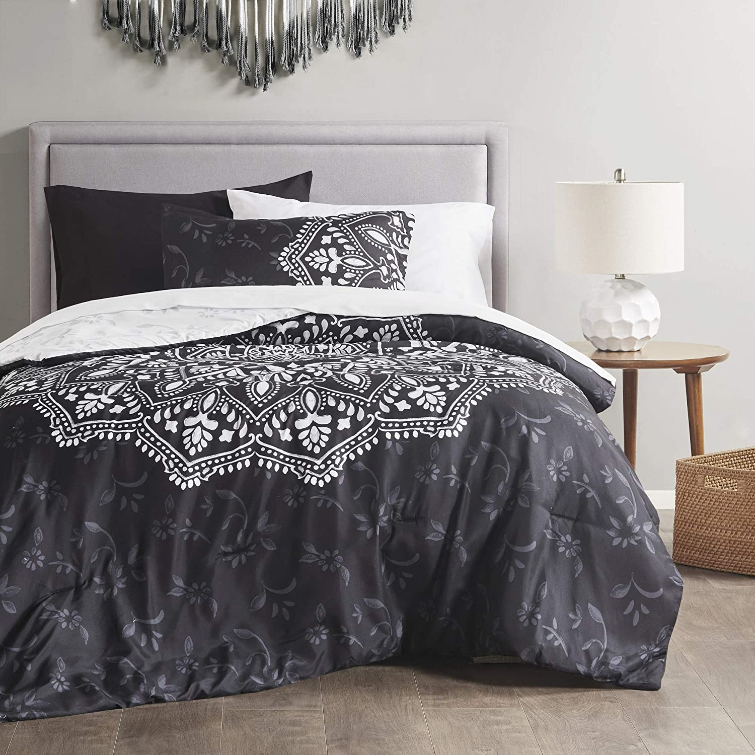 Comfort Spaces Bed in A Bag-Trendy Casual Design Cozy Comforter with Complete Sheet Set with Side Pocket All Season Cover, Matching Shams, Twin XL(66
