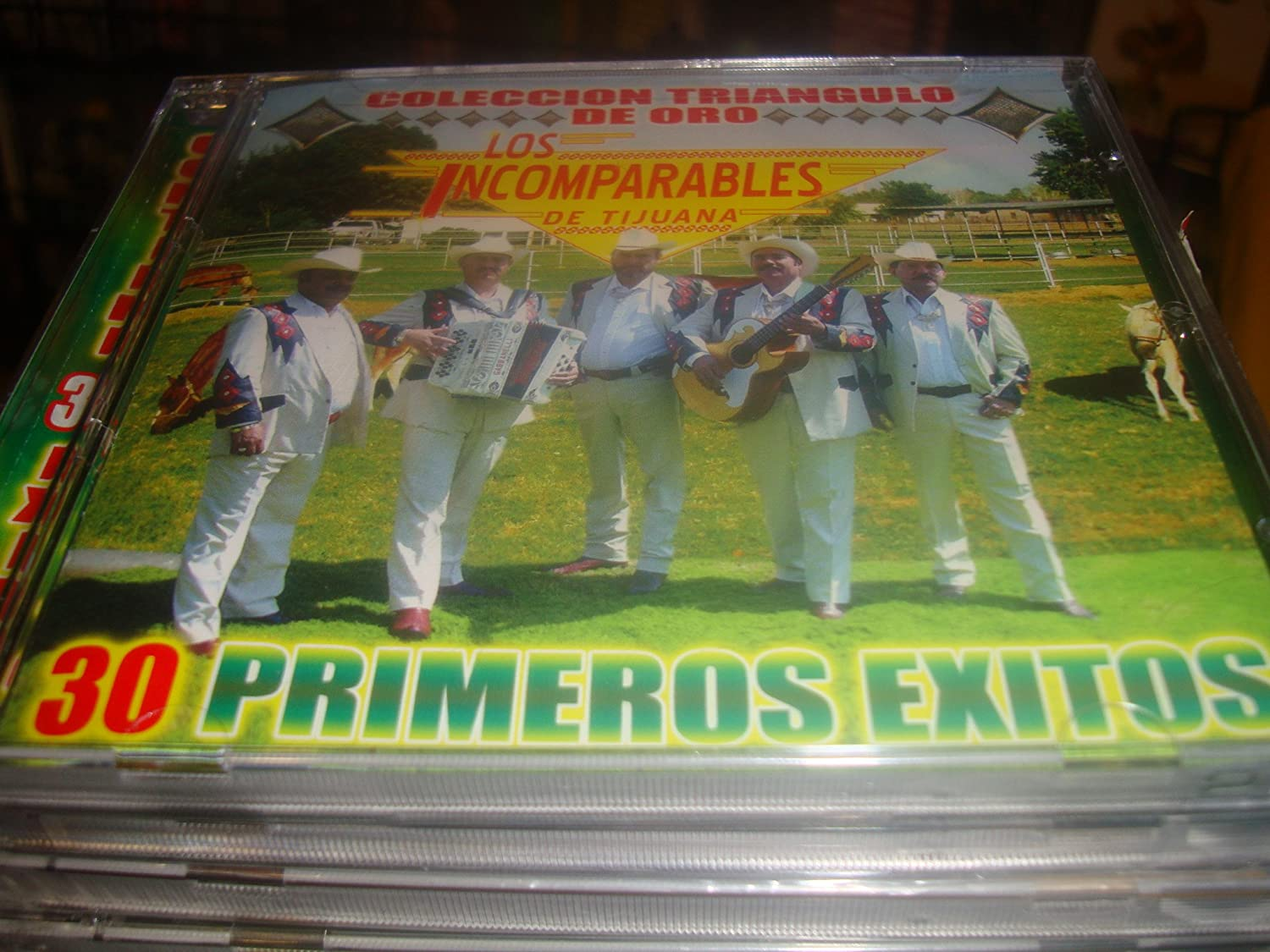 LOS INCOMPARABLES DE TIJUANA - Los Incomparables De Tijuana 30 Primeros Exitos 2cds - Amazon.com Music