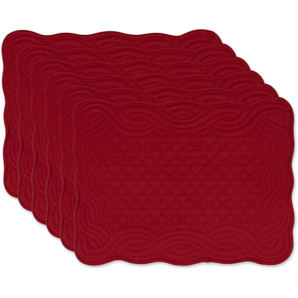 Amazon Com Red Cotton Quilted 15 Reversible Round Placemat For Table Heat Resistant Pack Of 4 Home Kitchen