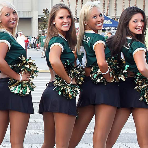 Sexy college cheerleadrs