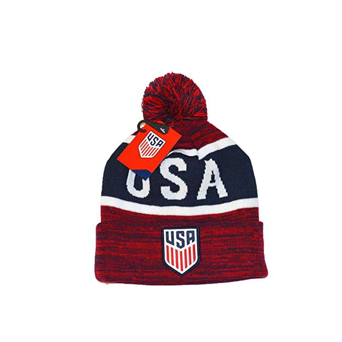 cfc4880ab88 Amazon.com   USA US Soccer Official United Sates Beanie Winter and Sticker  Flag (2)   Sports   Outdoors