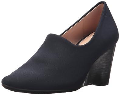 ed4cefba6d0 Amazon.com  Taryn Rose Women s Yvonne Wedge Pump  Shoes