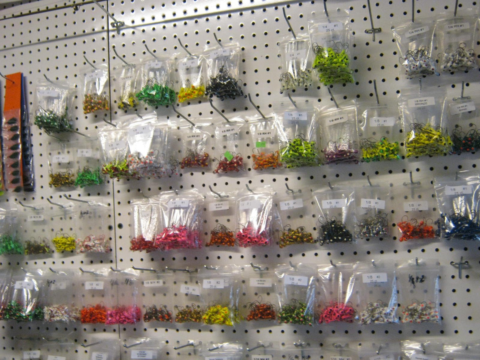 Bulk painted jig heads (assorted 500 ct.) made in the usa
