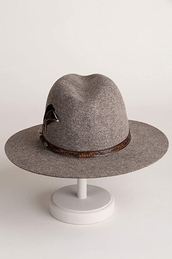 b4869f7a125 Overland Sheepskin Co Messenger Bolivian Wool Felt Outback Hat at Amazon  Women s Clothing store