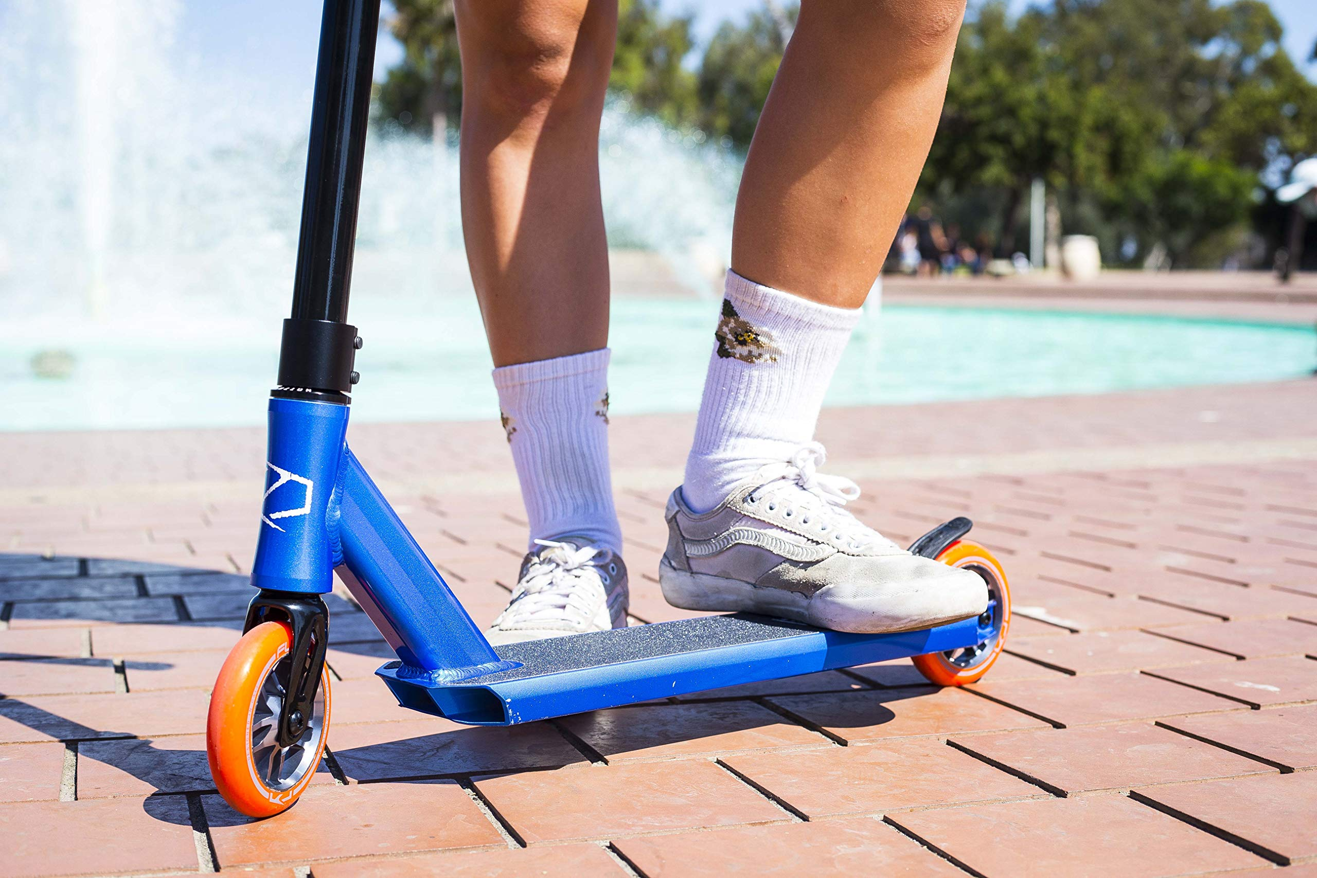 Fuzion Z250 Pro Scooters - Trick Scooter - Intermediate and Beginner Stunt Scooters for Kids 8 Years and Up, Teens and Adults – Durable Freestyle Kick Scooter for Boys and Girls (2019 Racing Blue) by Fuzion (Image #3)