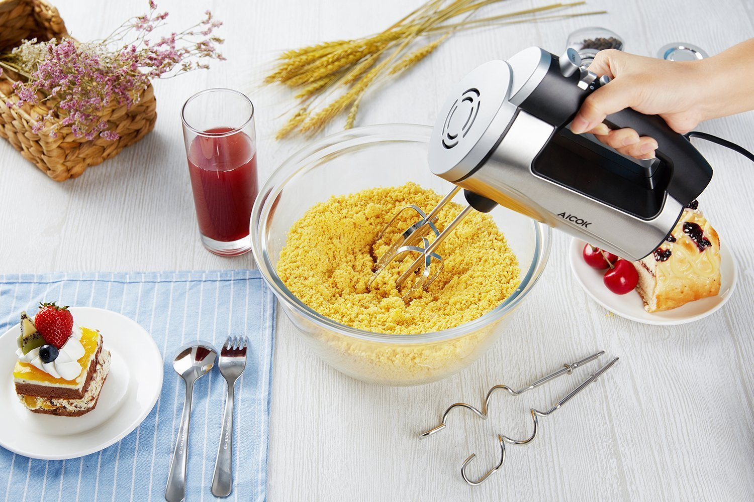 Aicok Hand Mixer 6 Speed Classic Stainless Steel Mixer Ultra Power Electric Mixer with Turbo and Easy Eject Button, Durable Handheld Mixer Includes Sturdy Beaters and Dough Hooks, Silver by AICOK (Image #5)