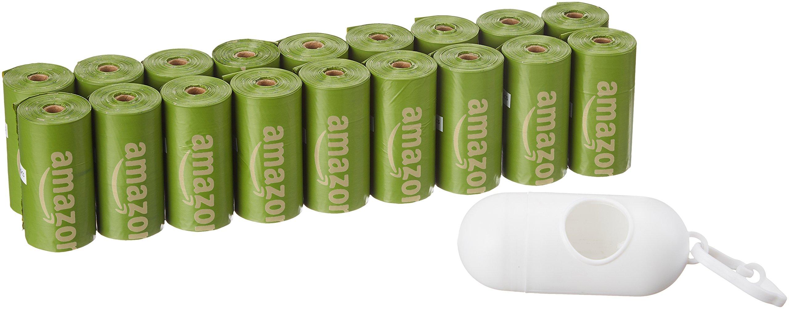 AmazonBasics - Bolsa mejorada para heces de perro con aditivos EPI y dispensador y pinza para