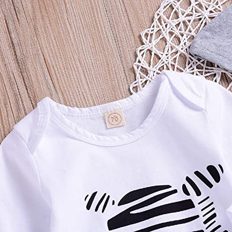 88346fc4ac0e Amazon.com  Unmega Baby Boy Girl Striped Jumpsuit Long Sleeve Onesie Zebra  Romper with Hat 2Pcs Clothes Outfit (White