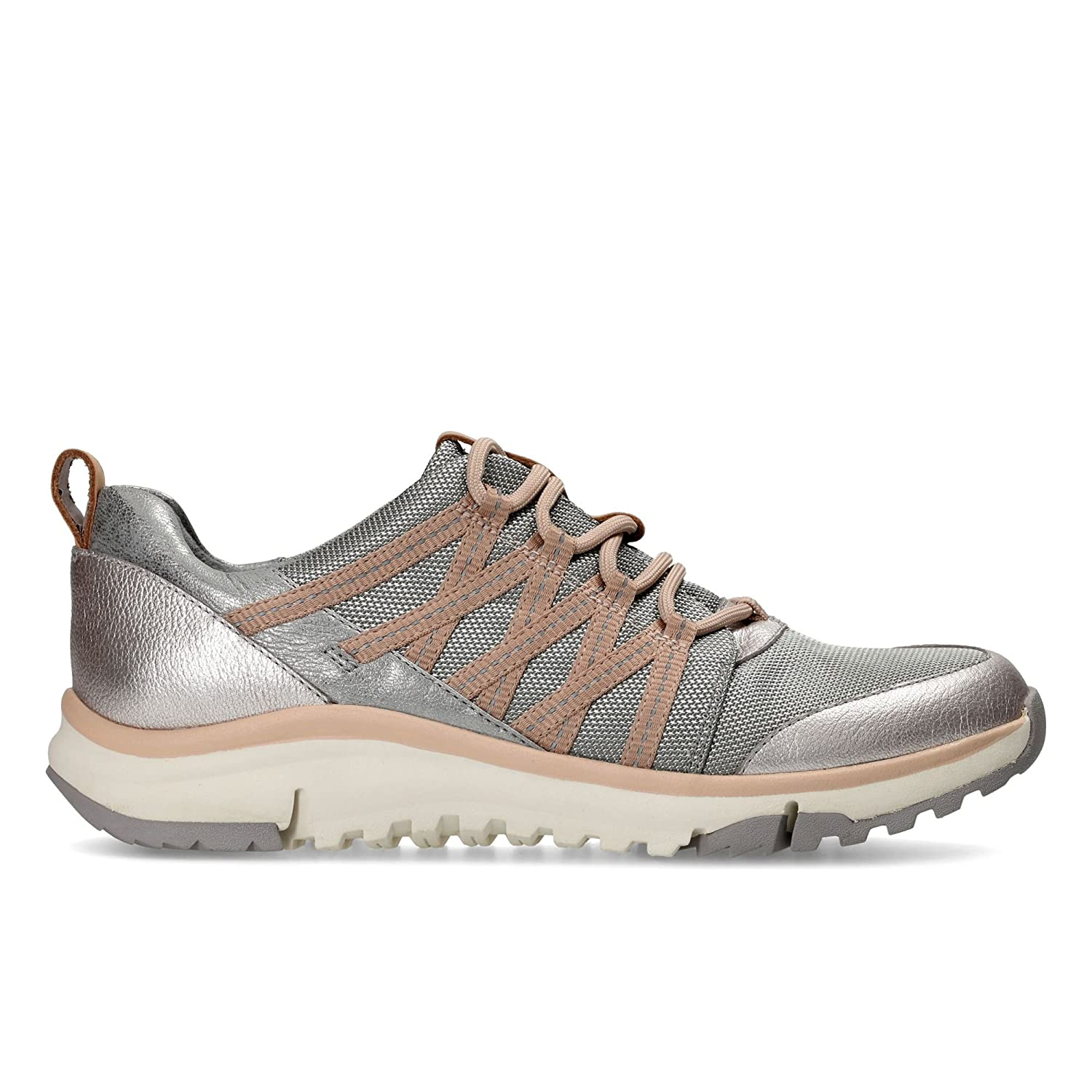 Entdecken schnüren in Factory Outlets Clarks Tri Trail Textile Shoes in Silver Combi