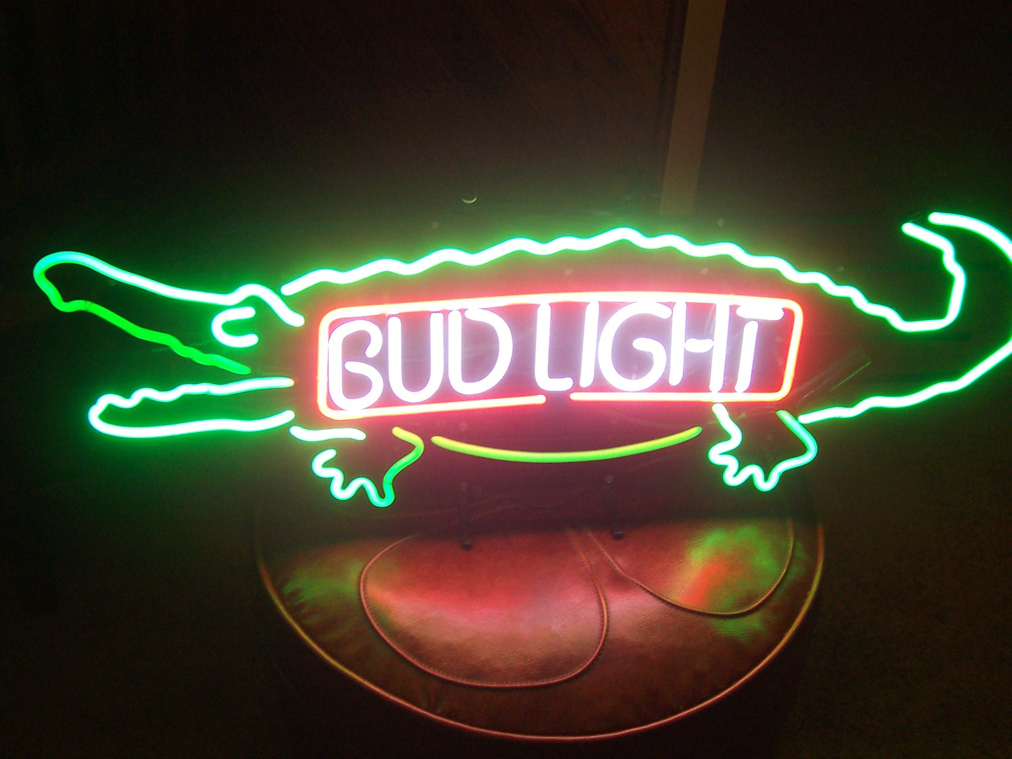 Desung New 20''x12'' B ud Light Alligator Gator Neon Sign (Multiple Sizes Available) Man Cave Signs Sports Bar Pub Beer Neon Lights Lamp Glass Neon Light CX225