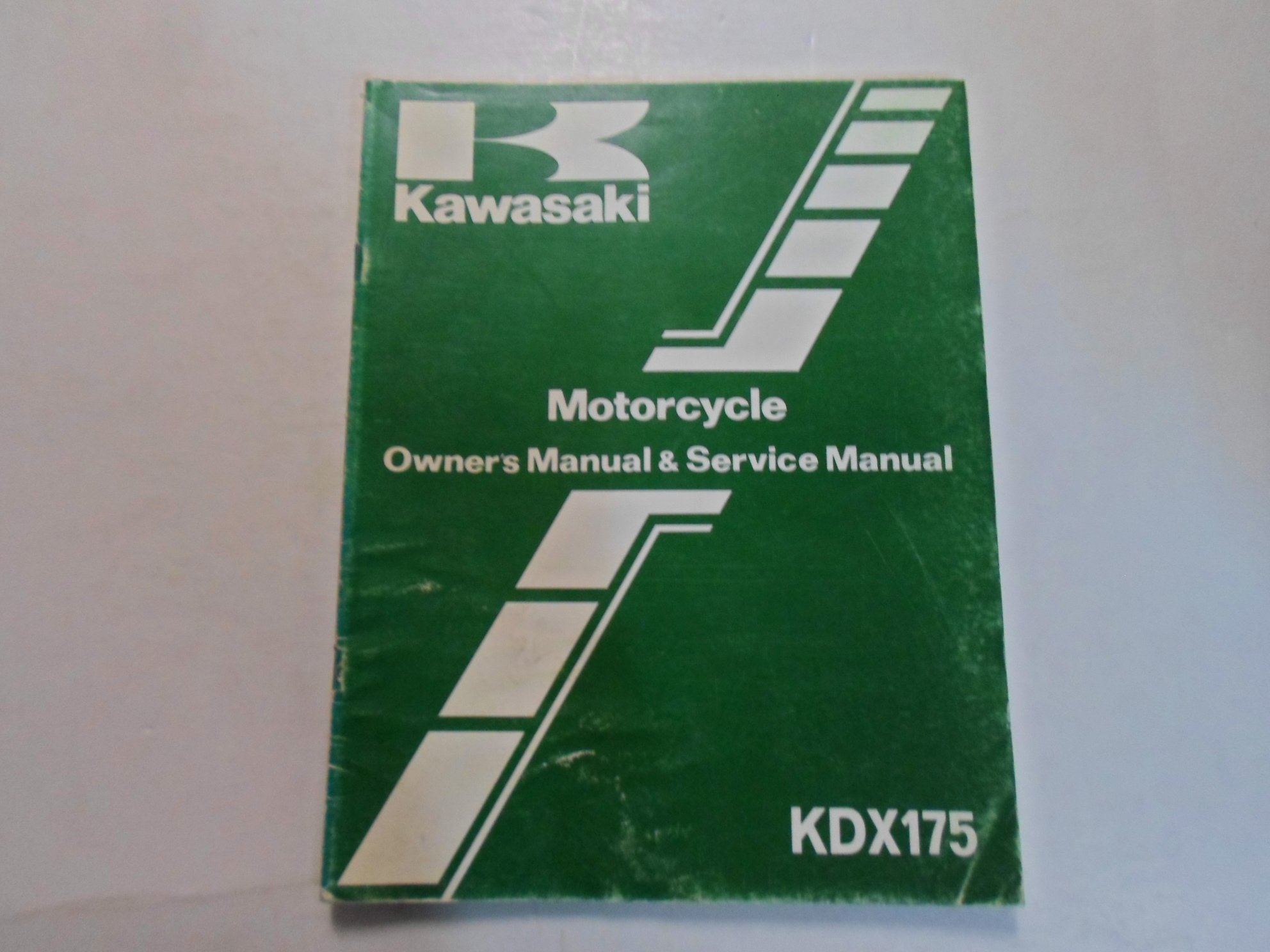1982 Kawasaki KDX175 Owners Manual & Service Manual WATER DAMAGED WORN  FACTORY: Kawasaki: Amazon.com: Books