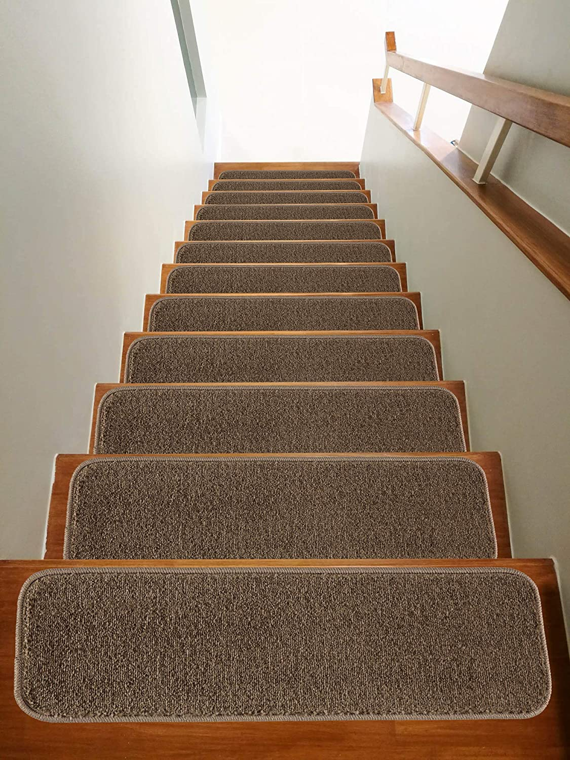 Gray Solo Collection 8.5 inches x 30 inches ModArte Set of 7 Rubber Backing Non-Slip Stair Treads Mod-Arte Modern /&Contemporary Solid Colors