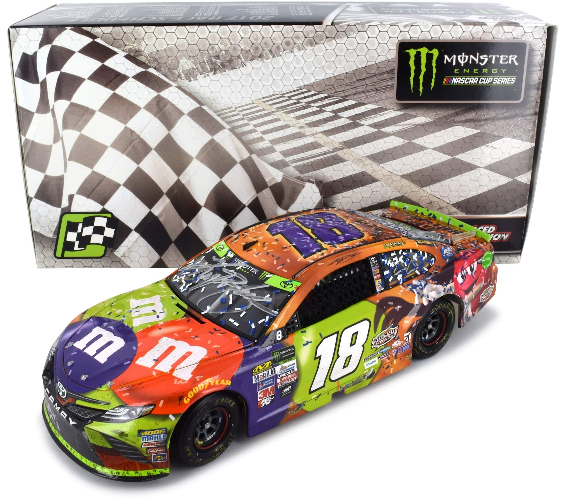 Lionel Racing Autographed Kyle Busch 2017 Martinsville Race Win NASCAR Diecast Car 1:24