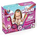 Wizard of Loom - Crea de brazaletes y loom juguetes - Kit completo con 2100 gomas de colores, 84 clips en S, 2 telares, 2 ganchos, amuletos A a Z, 12 colgantes, 100 cuentas, 24 cadenas de pulsera de la amistad, un libro con ideas y un manual de instrucciones multi-lenguaje