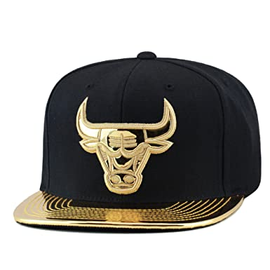 596464311ac ... czech mitchell ness chicago bulls snapback hat black metallic gold foil  d4475 dd188
