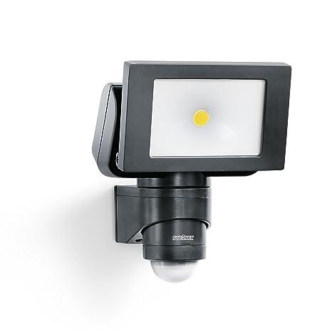 Steinel - Foco LED para el exterior con sensor de movimiento y ángulo de 240°